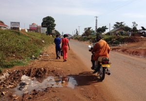 Street scene in Iganga on the way to the UDHA office. Picture by Tessa.